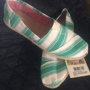 Toms NWT 8